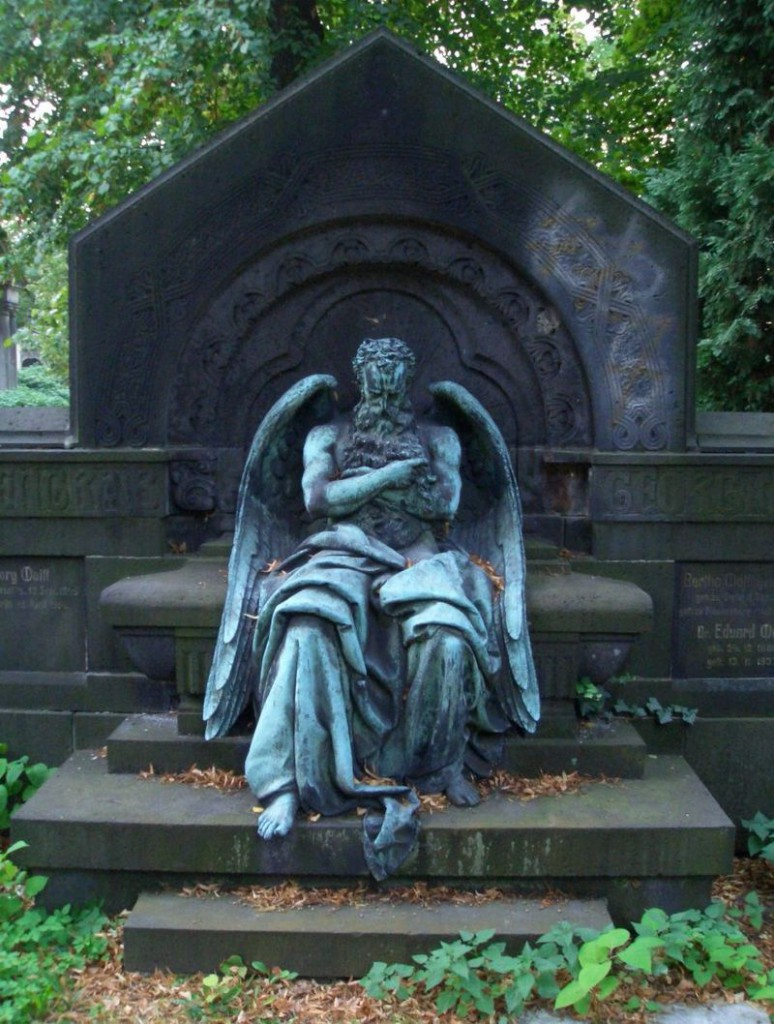 800px-Chronos,sleeping_on_Wolff_grave-ME_fec
